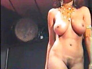 लेटेक्स अधोवस्त्र में बेब गड़बड़ और पर क्रीमयुक्त हिंदी मूवी सेक्सी पिक्चर