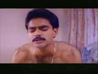 घास पर चूत खाते हुए सेक्सी ब्लू पिक्चर हिंदी मूवी डिल्डो और उंगली चोदना योनी