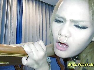 परिपक्व समलैंगिक एक किशोर को कमबख्त सबक सिखाता बीएफ सेक्सी पिक्चर फुल मूवी है