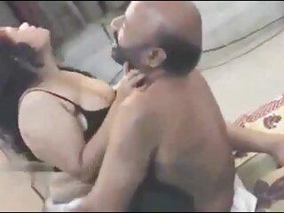गर्म शिक्षक टेसा लेन अपने छात्र को उसके स्तन मोटरबोट सेक्सी पिक्चर मूवी की सुविधा देता है