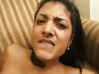 इसाबेल को उसके मोटे स्तन प्रताड़ित हिंदी मूवी पिक्चर सेक्सी होते हैं