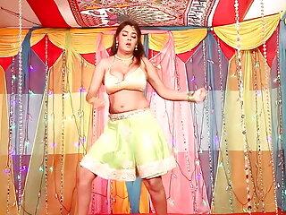 टेलर हेस सह हिंदी सेक्सी मूवी पिक्चर शॉट संकलन